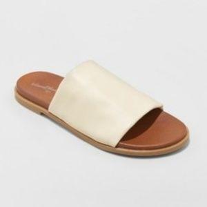 Gigi Hooded Slide Sandals  Bone 8.5